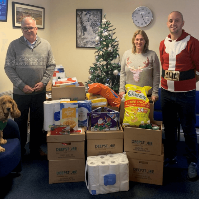 Compas Minerals and DeepStore donate to Trussell Trust and foodbank